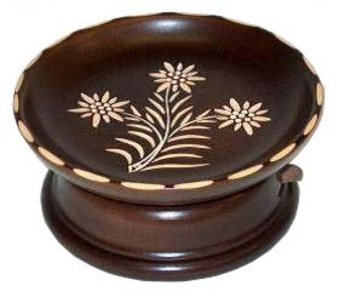 No.TFG15C Carved plate with musical pedestal